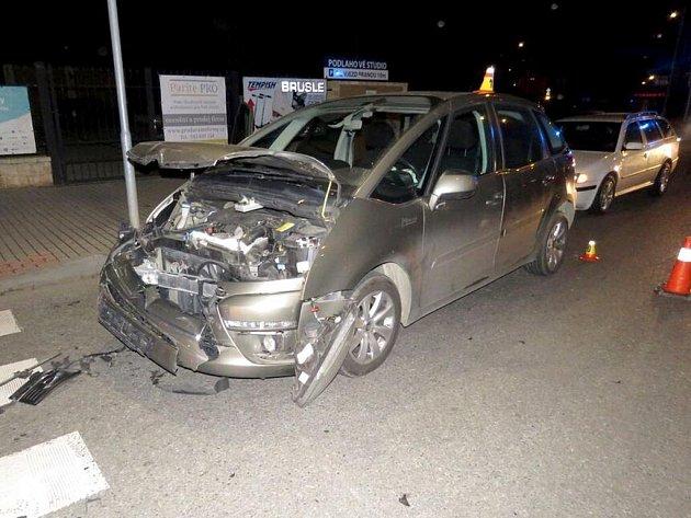 Čtyři zranění si vyžádala nedělní nehoda v centru Prostějova