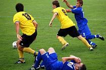 Prostějovští fotbalisté vyhráli třetí zápas ze čtyř kol. Na domácím hřišti díky lepšímu druhému poločasu porazili Kravaře 2:0.