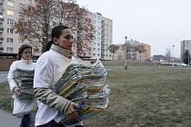 Rozdávání ekotašek na třídění odpadu v Prostějově