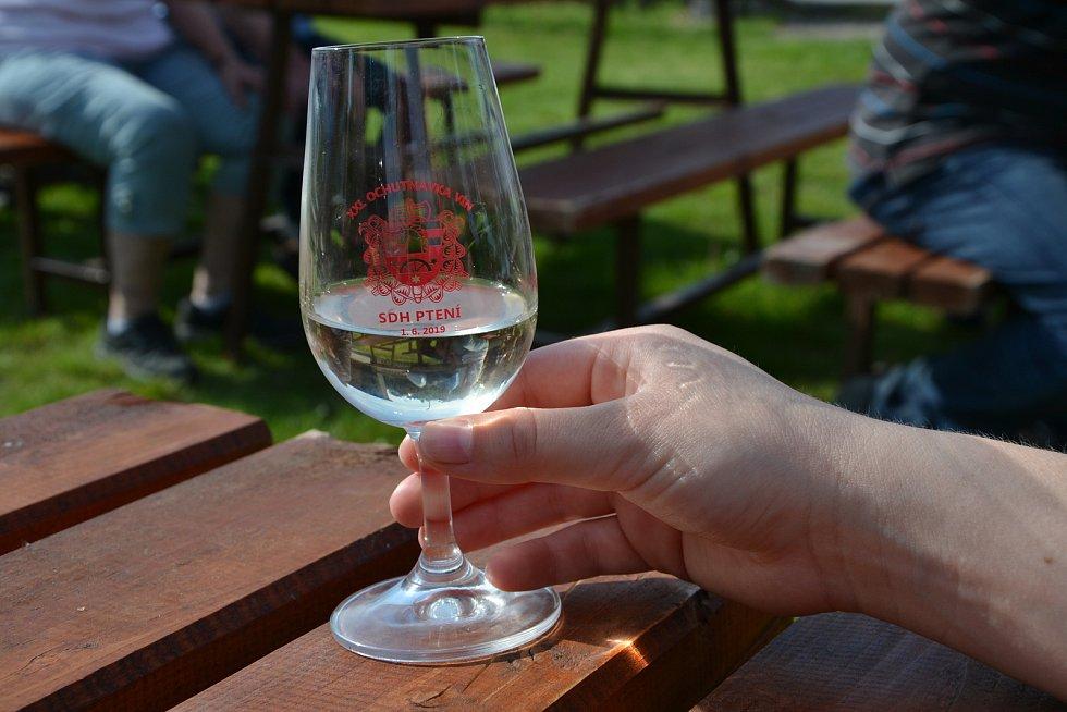 Ochutnávka vín ve Ptení