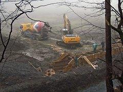 Příprava mokřadu a stavba mokřadní hráze v Plumlovské přehradě