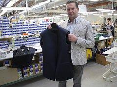 Pro novou bondovku Spectre šila prostějovská oděvní firma dalších patnáct vest a jedno sako. Nosit je bude Christopher Waltz alias filmový Blofeld
