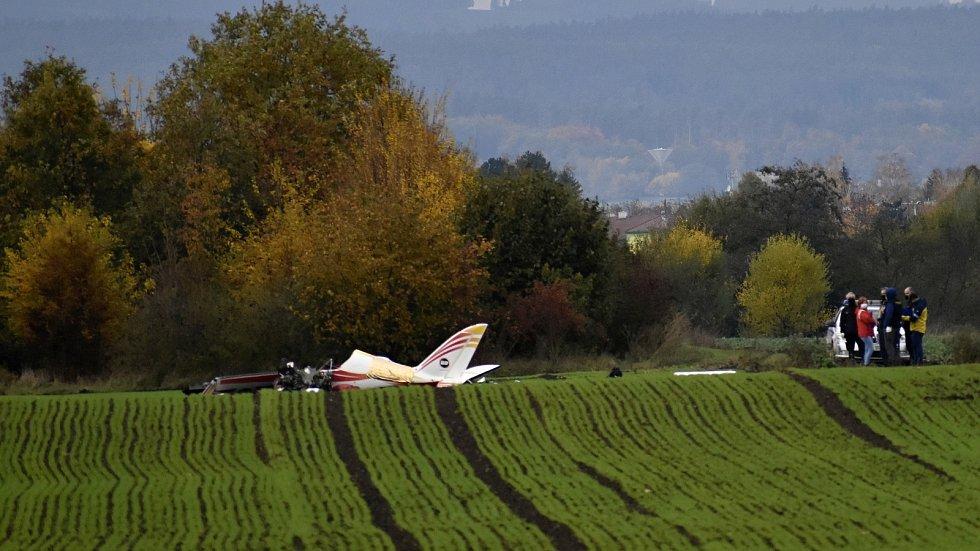 Ve čtvrtek 29. října po desáté hodině ranní se do pole u Olšan u Prostějova zřítil ultralight, pilot byl na místě mrtvý. 29.10. 2020