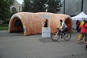 U Zlaté brány v Prostějově se objevil model tlustého střeva, upozornil na prevenci rakoviny