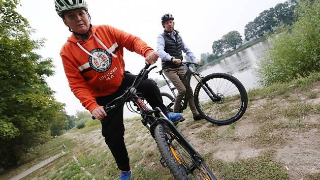 Společnou vycházku a cyklovýlet se sportovním klubem Winners Znojmo, které měly o víkendu zahájit program Jarních Dnů zdraví ve Znojmě, si zájemci užijí později.  Ilustrační foto