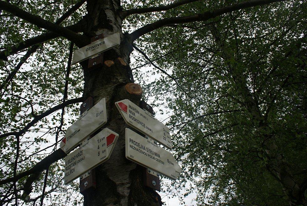Změny turistického značení na Drahanské vrchovině - nové trasy a rozcestníky - Otinoves