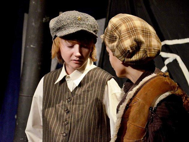 S divadelní hrou Tom Sawyer bodovali herci a herečky z Divadelního souboru Pointík na letošní divadelní přehlídce Valašské křoví ve Slavičíně