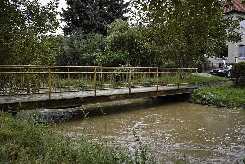 Rozvodněná Romže se po spojení s Hloučelou žene dál směrem k Moravě. 15.10. 2020