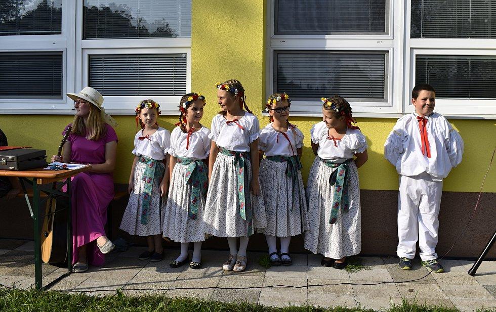 Ve Vrchoslavicích se ve čtvrtek otevřelo nové dopravní a dětské hřiště. 24.9. 2020