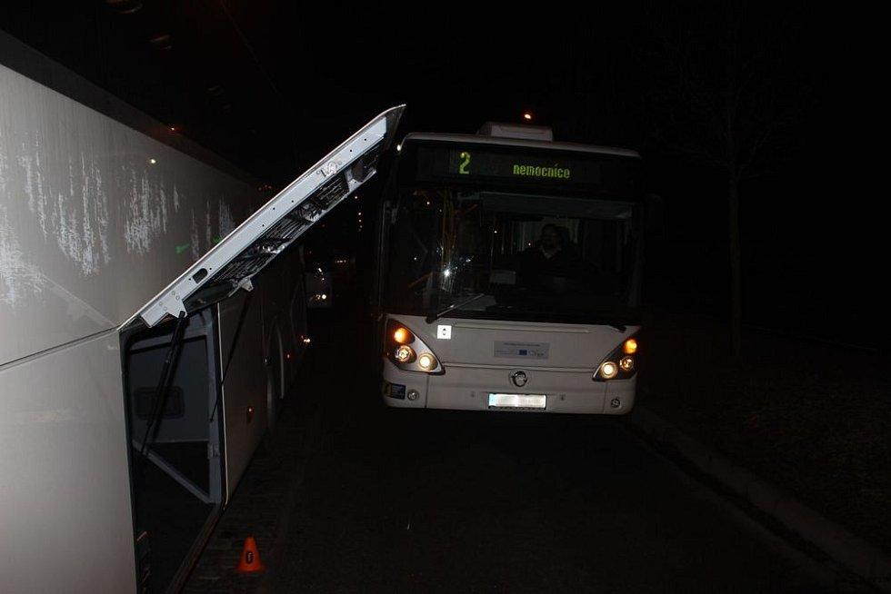Nehoda autobusů u prostějovského hlavního nádraží