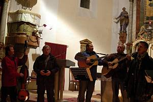 Během adventu zazněly v plumlovském kostele i spirituály v podání skupiny No problem