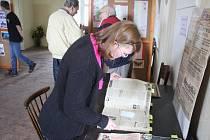 Ve Vrchoslavicích nedaleko Němčic zavzpomínali na konec války netradičně. Lidé si tak mohli poslechnout čtení vzpomínek tehdejších obyvatel obce, kteří byli v roce 1945 dětmi školou povinnými.