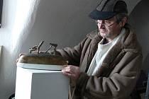 V BAŠTĚ. Dušan Kamzík v Galerii B v baště u hradeb