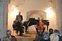 Trio Martinů, klavírista, houslista a violoncellista. Ilustrační foto