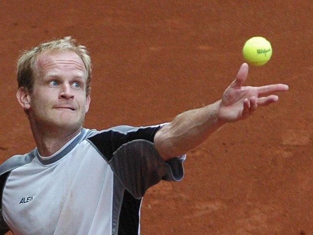 Dvojnásobný vítěz tenisového Czech Open Bohdan Ulihrach překvapil hned na úvod letošního ročníku vyřazením kvalitního Španěla Ramireze Hidalga.