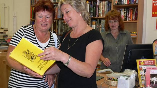 """Kniha """"z pera"""" Josefa Milara se už objevila na pultech knihkupectví."""