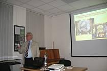 Karel Kavička vypráví příběhy o prostějovských kostelích