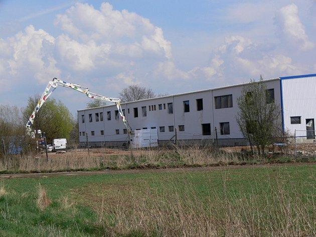 Stavba nové výrobní haly ve Vranovicích-Kelčicích