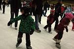 Bruslení veřejnosti na prostějovském zimním stadionu