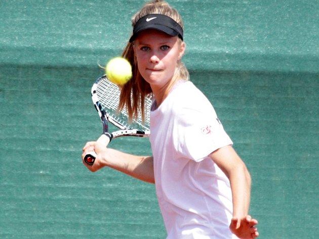 Tenisové MS družstev do 14 let v Prostějově - První českou výhru vybojovala Monica Kilnarová proti Michaele Gordon z USA