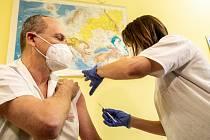 Očkování proti nemoci Covid-19. Ilustrační foto