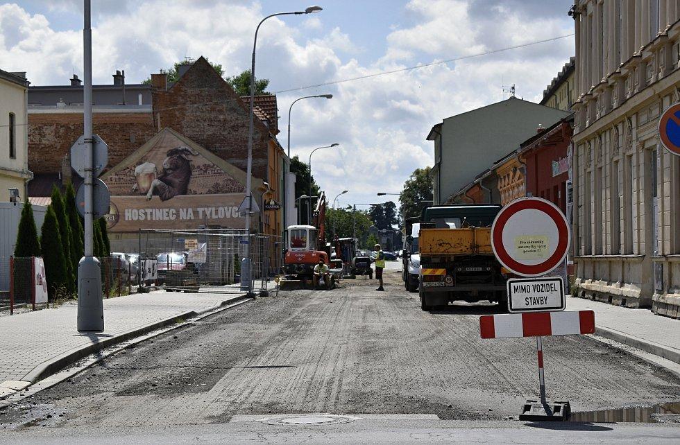 Hned několik uzavírek v centru Prostějova straší řidiče od začátku prázdnin a také s počátkem měsíce srpna. Křižovatka Tylovy a Wolkerovy ulice. 2.8. 2021