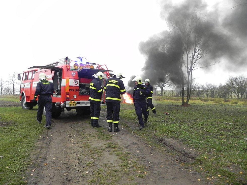 V Hrochově hořela průmyslová budova. Naštěstí šlo ale jen o taktické cvičení.