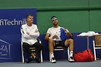 Kapitán Prostějova Jiří Novák a tenista Jiří Veselý