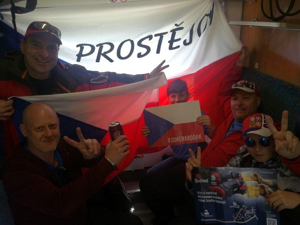 Skupinka Prostějovanů vedená Milanem Přikrylem na šampionátu v Bratislavě