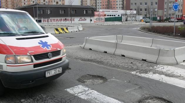 Kruhový objezd před nemocnicí