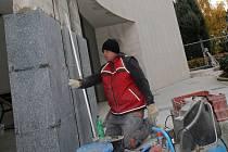 Oprava fasády obřadní síně na prostějovském hřbitově