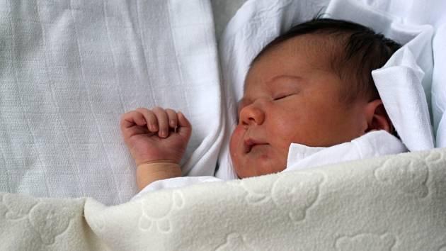 Liliana Slouková, Vysočany, narozena 5. února, 52 cm, 3750 g