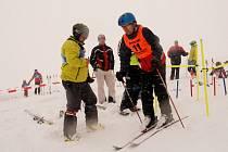 V Kladkách se jel obří slalom