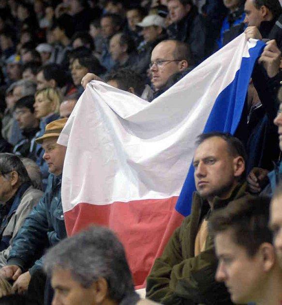 Reprezentace v Prostějova přilákala množství diváků.