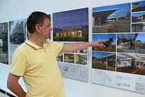 Výstava v Muzeu Prostějovska představuje realizované projekty, které se utkaly v prestižní přehlídce české soudobé architektury Grand Prix architektů 2012. Letos mezi nimi byl i rodinný dům v bývalém kamenolomu v Mostkovicích.