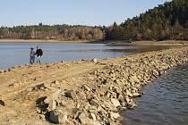 Plumlovská přehrada láká k procházkám