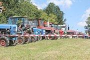 Závody na traktorech přilákaly přes třicet účastníků.