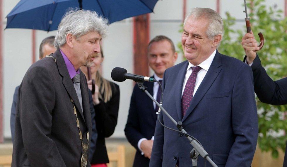 Návštěva prezidenta Miloše Zemana na zámku v Čechách pod Kosířem