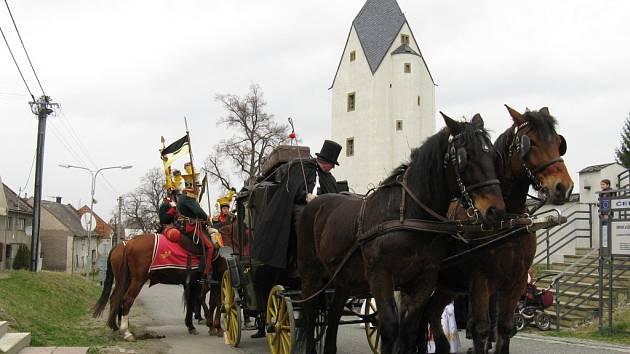 Spanilá jízda krajem otevřela sezonu v Muzeu historických kočárů v Čechách pod Kosířem