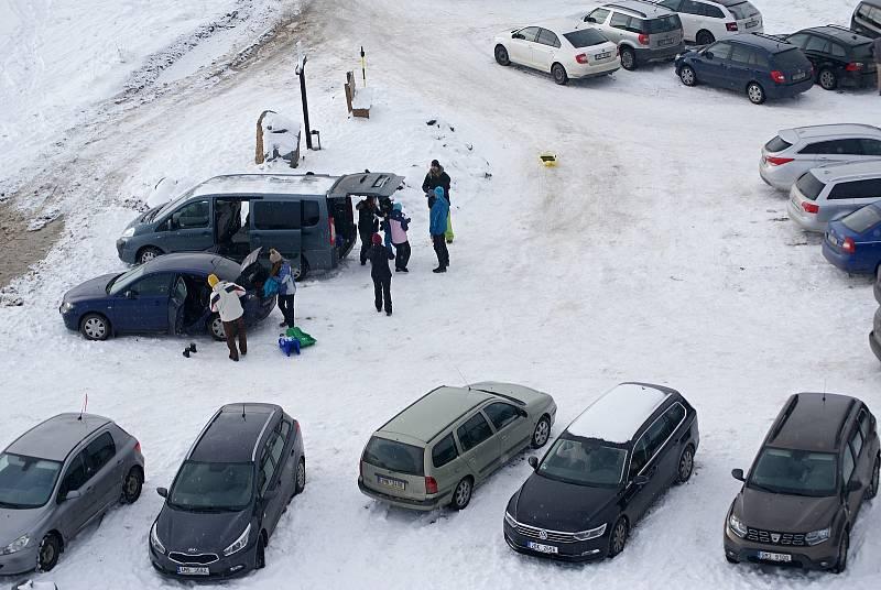 Zimní radovánky u rozhledny Kopaninka v Repechách na Prostějovsku - 9. ledna 2021