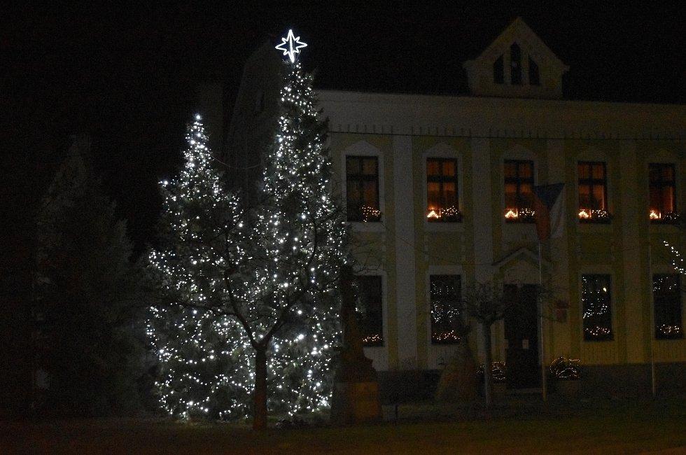 Vánoční strom 2020 ve Smržicích