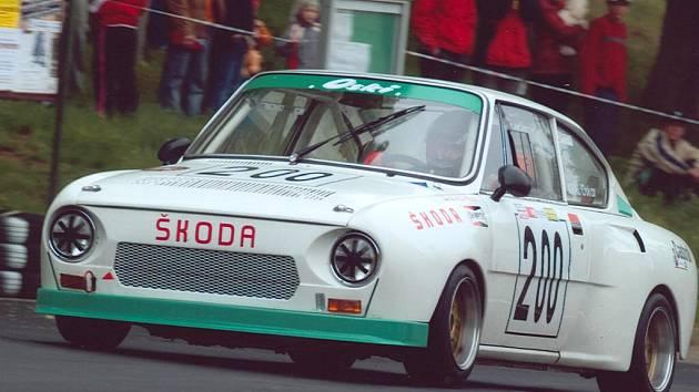 Prostějovský závodník Oskar Král vtrhl do letošní sezony jako velká voda, po třech skvěle odjetých závodech jej o nadcházejícím víkendu čeká čtvrtý v Ústí nad Orlicí.