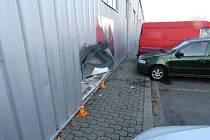 Nehoda renaultu v Plumlovské ulici v Prostějově
