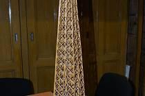 Osmdesát centimetrů vysoký model ležel v centru města