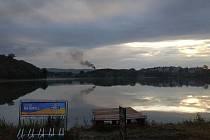 Tmavý kouř nad plumlovskou pilou - půlka července 2019