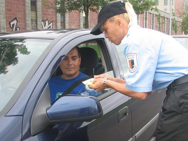 Výsledky měření se řidiči dozvěděli obratem. Dostali také informace o tom, jak draho je může přijít rychlá jízda.