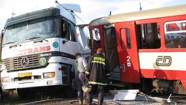 Na přejezdu ve Ptenském Dvorku se stala další dopravní nehoda.