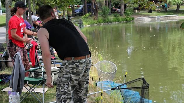Rybářské závody na Drozdovickém rybníku