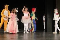 """Koncert s názvem """"Děti dětem"""" v Městském divadle v Prostějově. Vystoupili žáci ZUŠ Vladimíra Ambrose"""