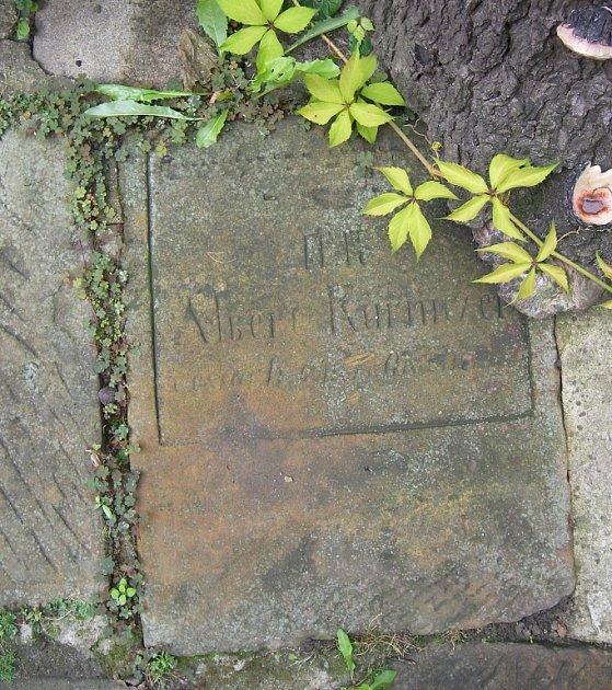 Nalezené židovské náhrobky vDrozdovicích